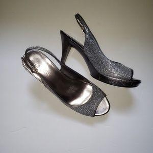 Nine west silver heels 8 M perp toe slingbacks
